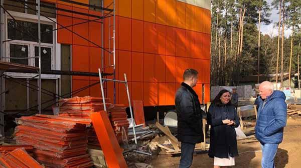 Марина Шевченко посетила строящийся лечебный корпус в Дубне